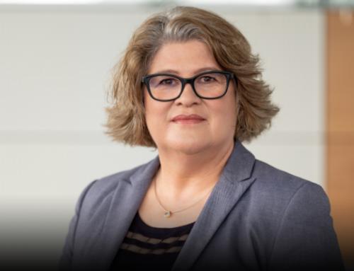 """Vera Schneevoigt: """"Einblicke in die Erarbeitung einer Digital Strategie und Software-Strategie"""""""
