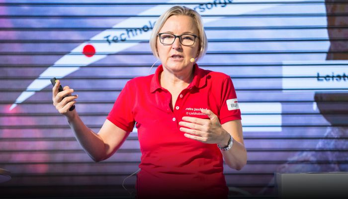 Petra Jaschhof, CIO, BWI GmbH Podcast auf herCAREER