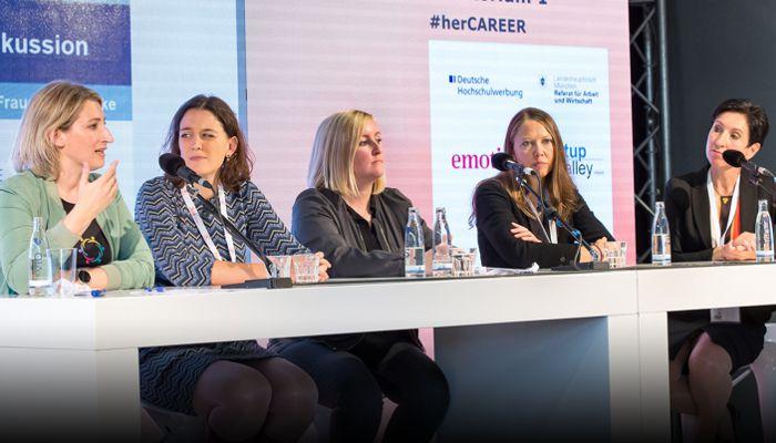 """Podcast - Diskussionsrunde zu """"Gemeinsam sichtbarer - wie innerbetriebliche Frauennetzwerke die Karriere stärken"""""""