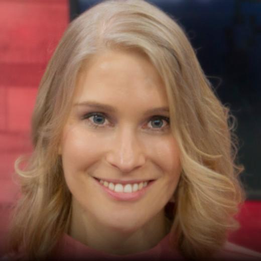 Frauke Holzmeier, Redakteurin, Live-Reporterin und Moderatorin