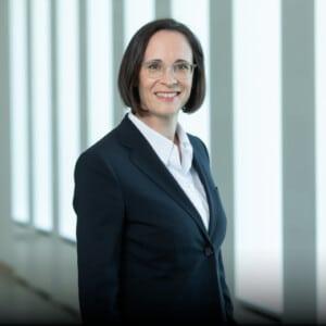Birgit Dietl-Benzin, Mitglied des Vorstands, DekaBank